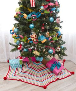 Pompom Trimmed Tree Skirt