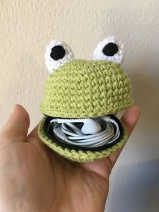Froggy Zippered Pouch