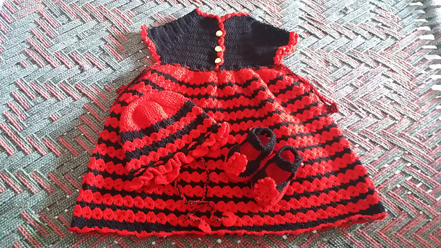 free crochet patterns of dresses and shoes