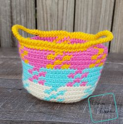 Pretty in Gingham Basket