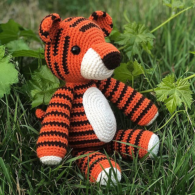 Elephant Amigurumi Free Crochet Patterns | 640x640