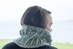 Crochet Stella Mini Cowl