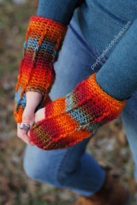 Perpetual Posts Fingerless Gloves