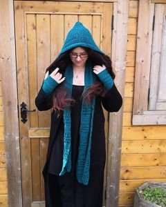 Simple Hooded Scarf