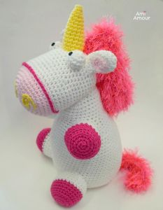 Fluffy Unicorn Amigurumi