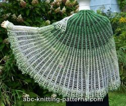 Semi-Circular Shawl with Pineapple Border