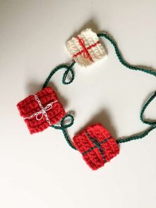 Christmas Gift Crochet Garland