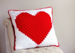 Heart C2C Pillow
