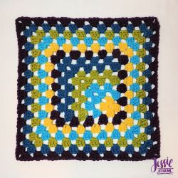 Off Set Granny Square with thin or thick border