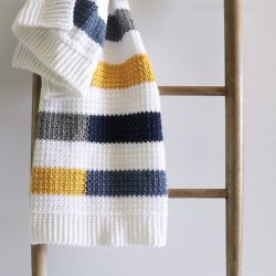 Mesh Stitch Colorful Stripe Blanket