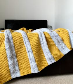 Honey Peaks Throw