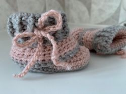 Mini slouch baby booties