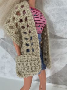Fashion doll pocket shawl