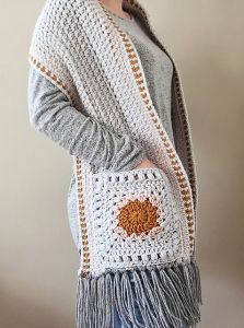 Hip Granny Pocket Shawl