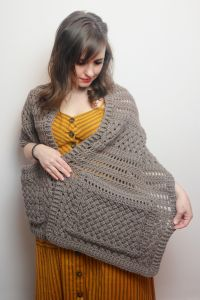 Ashley Pocket Shawl