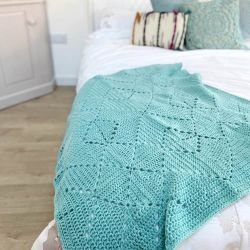 Criss Cross Crochet Blanket
