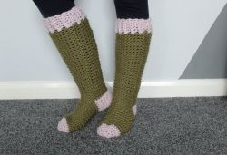 The Lake Cabin Chunky Socks