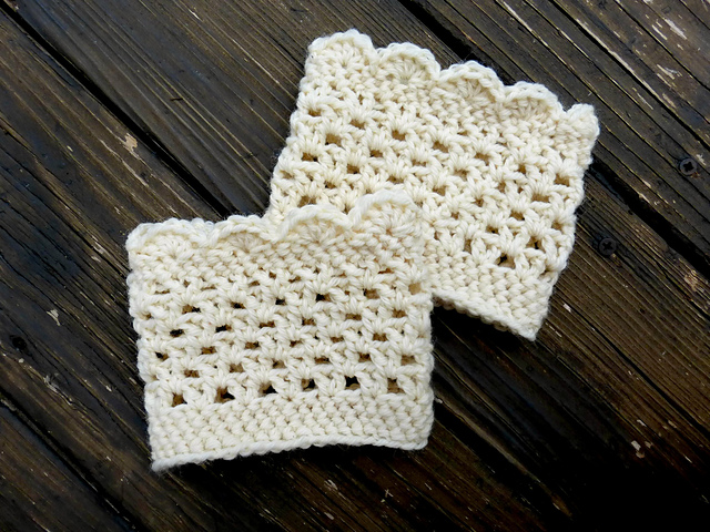 Crochet Patterns Galore Lacy Scalloped Boot Cuffs