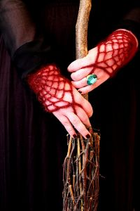 Morticia Wrist Gloves