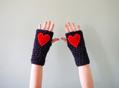 Crochet Patterns Galore Super Quick And Chunky Fingerless Gloves