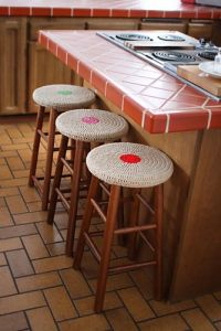 Easy Stool Covers with Seamless Method