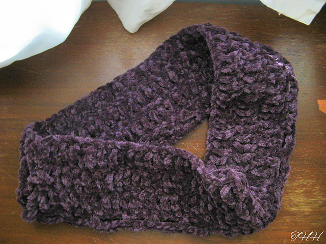 Crochet Patterns Galore - Simply Chenille Cowl