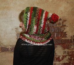 Holly Jolly Hooded Cowl
