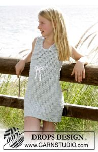 DROPS crochet dress