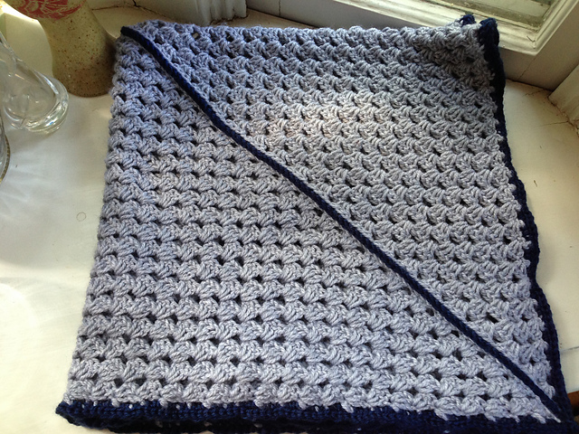 Free Crochet Pattern For Diagonal Baby Blanket : Crochet Patterns Galore - Diagonal Granny Square Baby Blanket