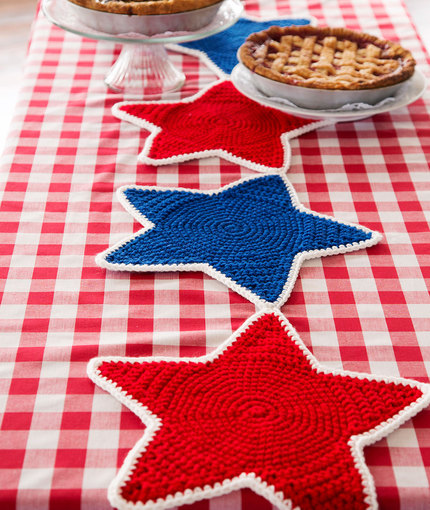 Outstanding Crochet Patterns Galore Americana Star Table Runner Home Interior And Landscaping Eliaenasavecom