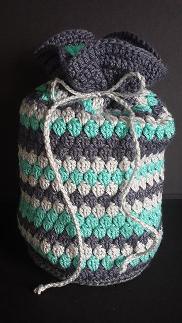 Crochet Toiletry Bag Pattern : Crochet Patterns Galore - Striped cluster toiletry bag