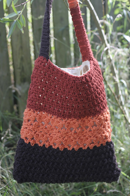 Crochet Shoulder Bag Pattern Free : free crochet pattern using bulky-weight yarn. Pattern attributes and ...