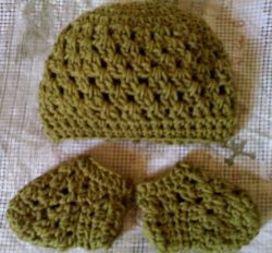 Baby Granny Beanie and Sockies Set
