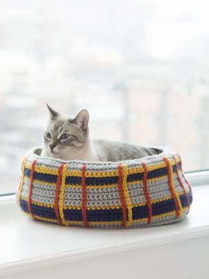 Crochet Cat Nap Nest [FREE Crochet Pattern]   399x300
