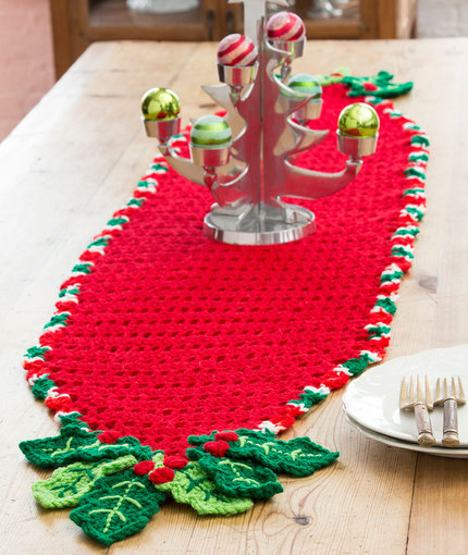 Christmas Table Runner Patterns Free.Crochet Patterns Galore Holly Trim Table Runner