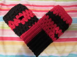 Bobble Fingerless Gloves