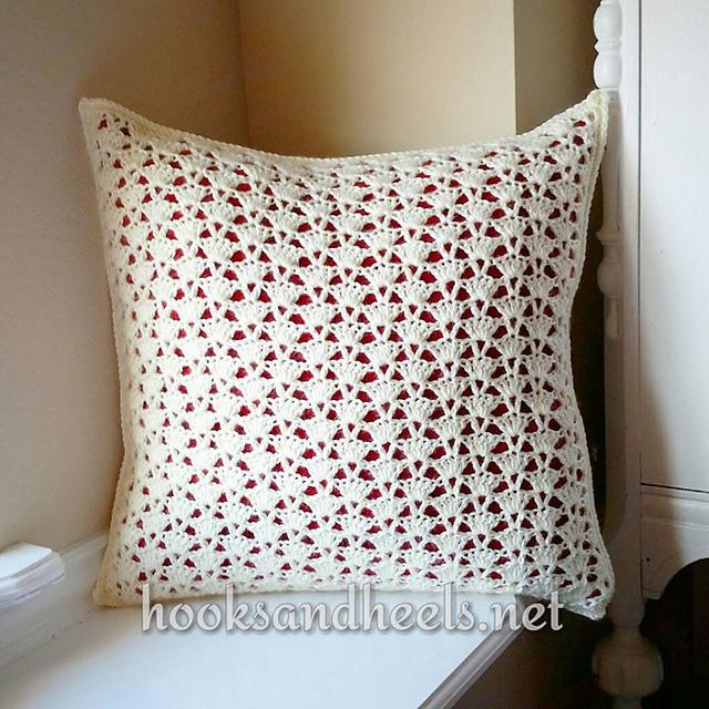 Crochet Patterns Galore Nina s Fancy Shell Pillow