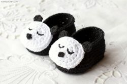 Sleepy Panda Baby Booties
