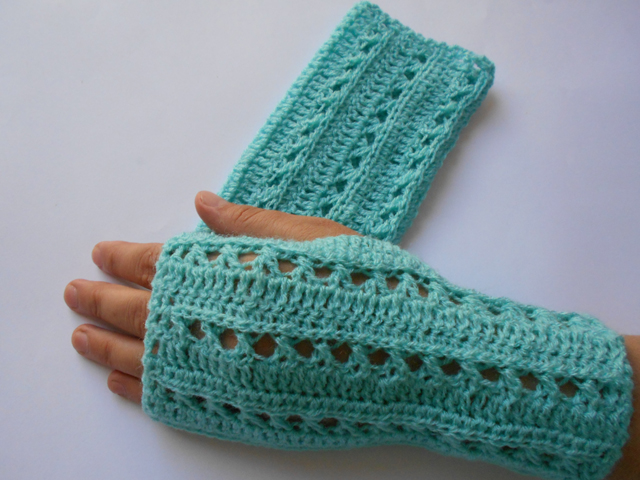 Free Crochet Patterns Lace Gloves : Crochet Patterns Galore - Lace Gloves