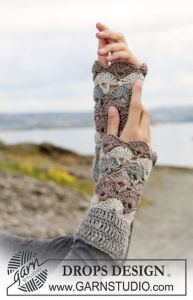 Winter Fanfare Wrist Warmers