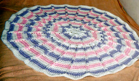 Crochet Patterns Galore - Round Jacobs Ladder Baby Blanket