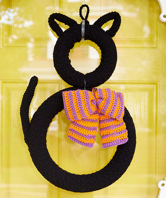 Crochet Patterns Galore Superstitious Black Cat Wreath