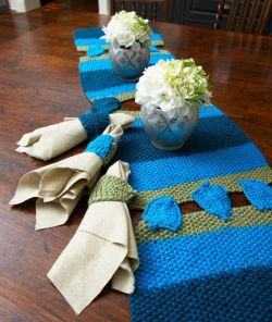 Dreidel Table Runner & Napkin Holders