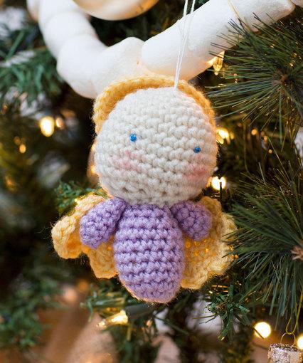 Free Crochet Mini Angel Pattern - Grace and Yarn | 510x426